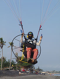 Cross Country Motor Club >> What is Paramotoring by Bali Paragliders Club